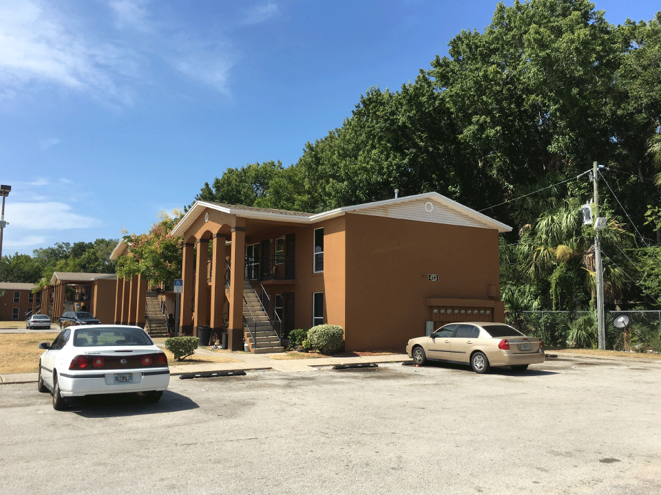 Gardens of Daytona - Building Side View