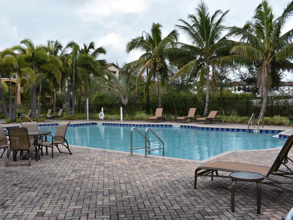 Keys Crossing - Pool