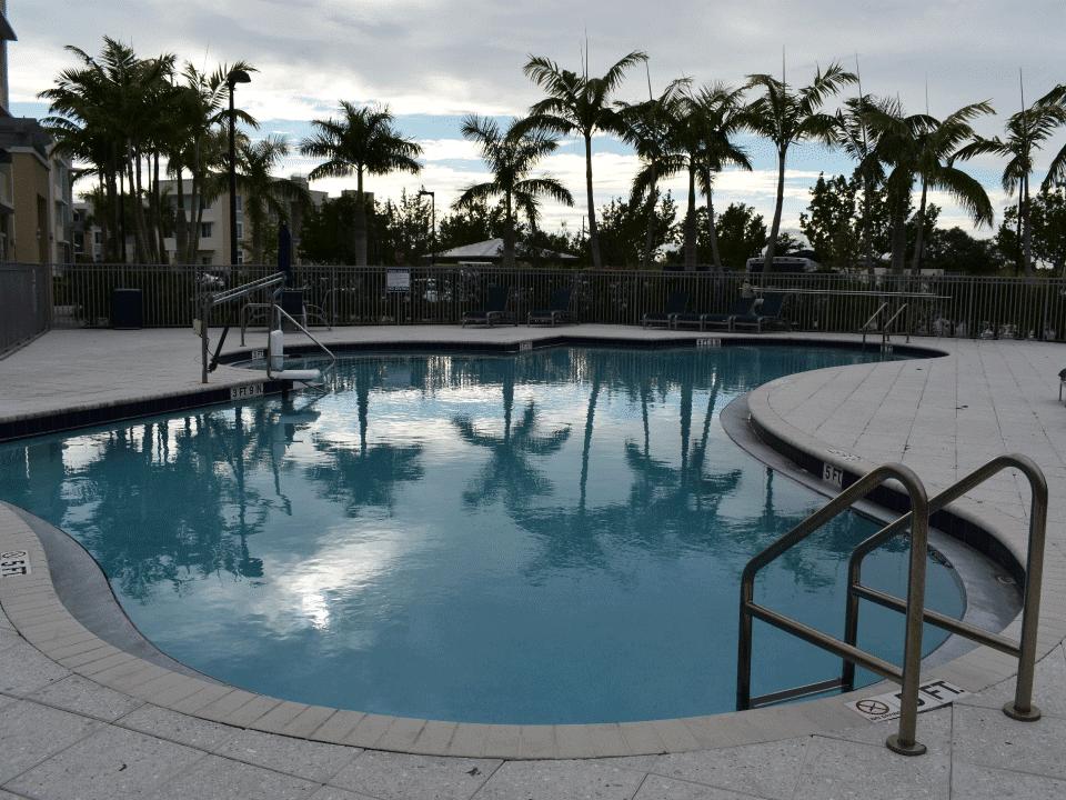 Circle Creek - Pool